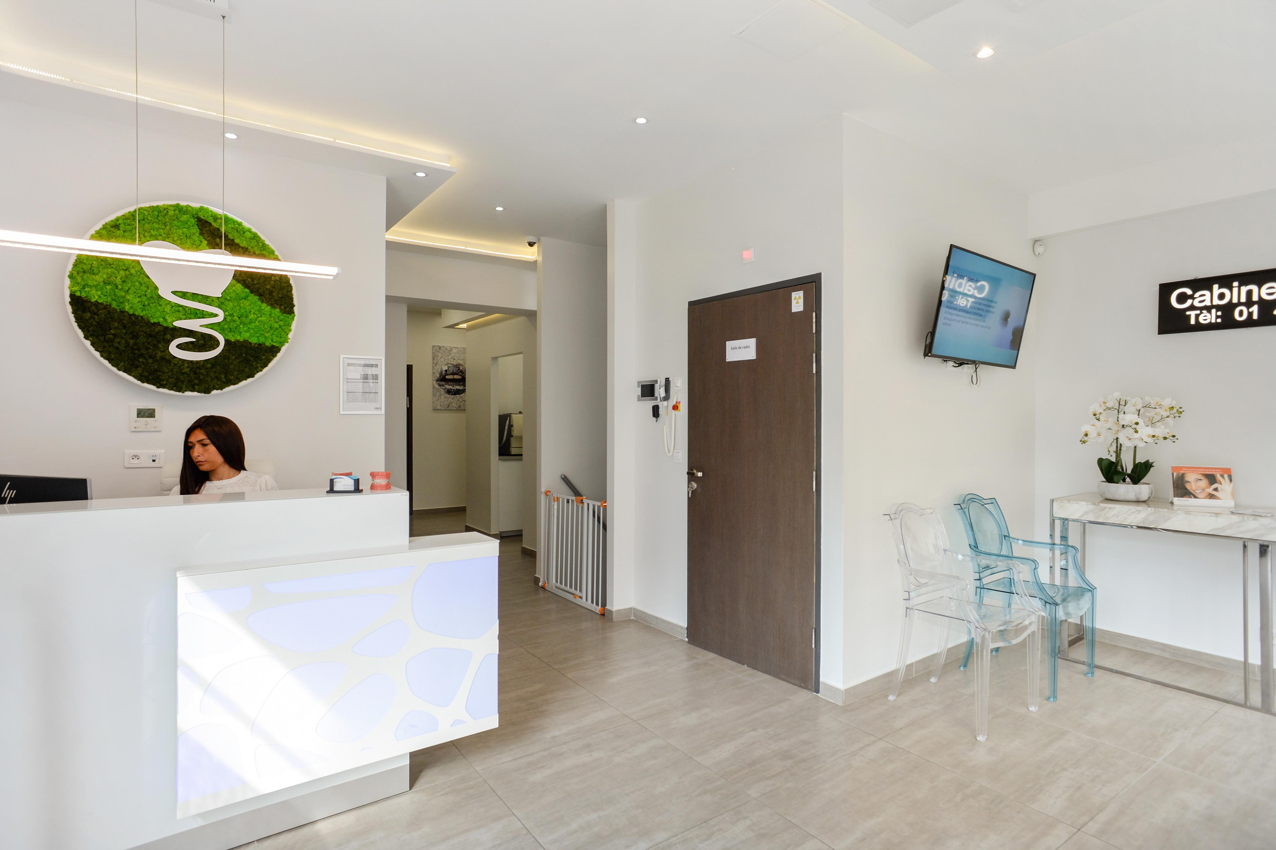 Hall d'accueil du cabinet dentiste Paris 19
